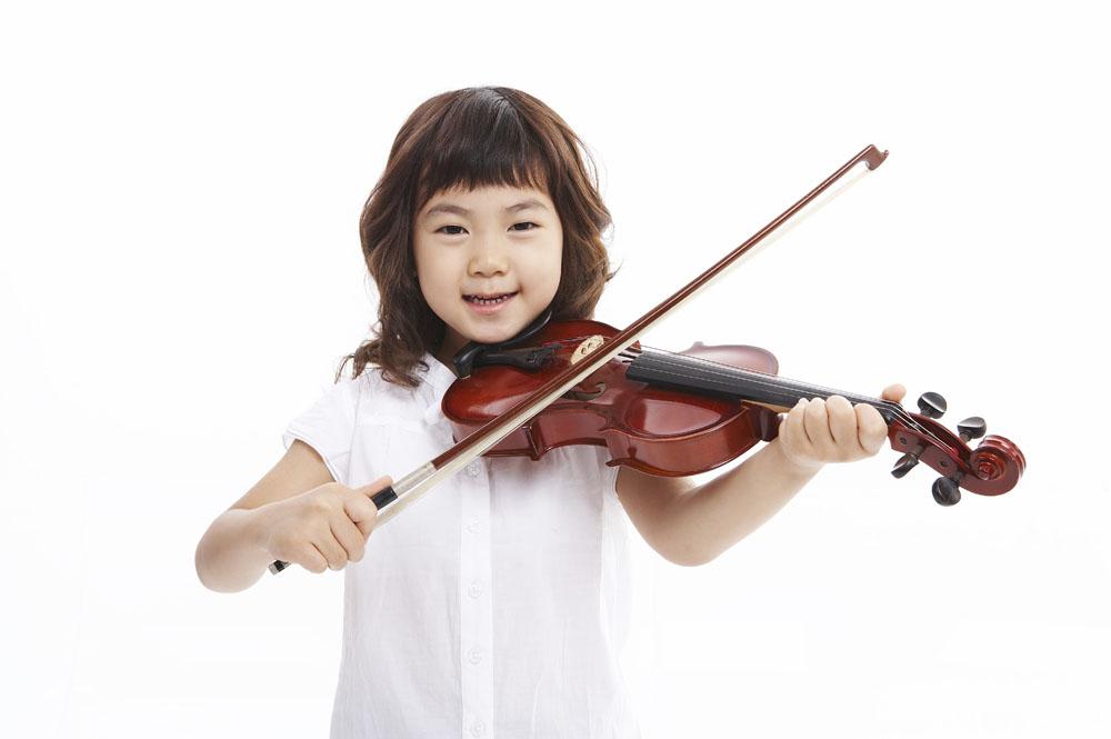 儿童学拉小提琴